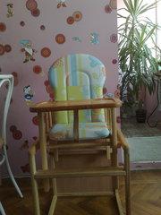 Продам деревянный стульчик для кормления
