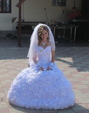 Очень красивое свадебное платье необычного цвета