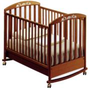 Срочно продам детскую кроватку со всем набором