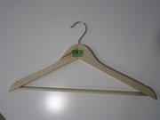 Деревяные вешалки для домашнего использования